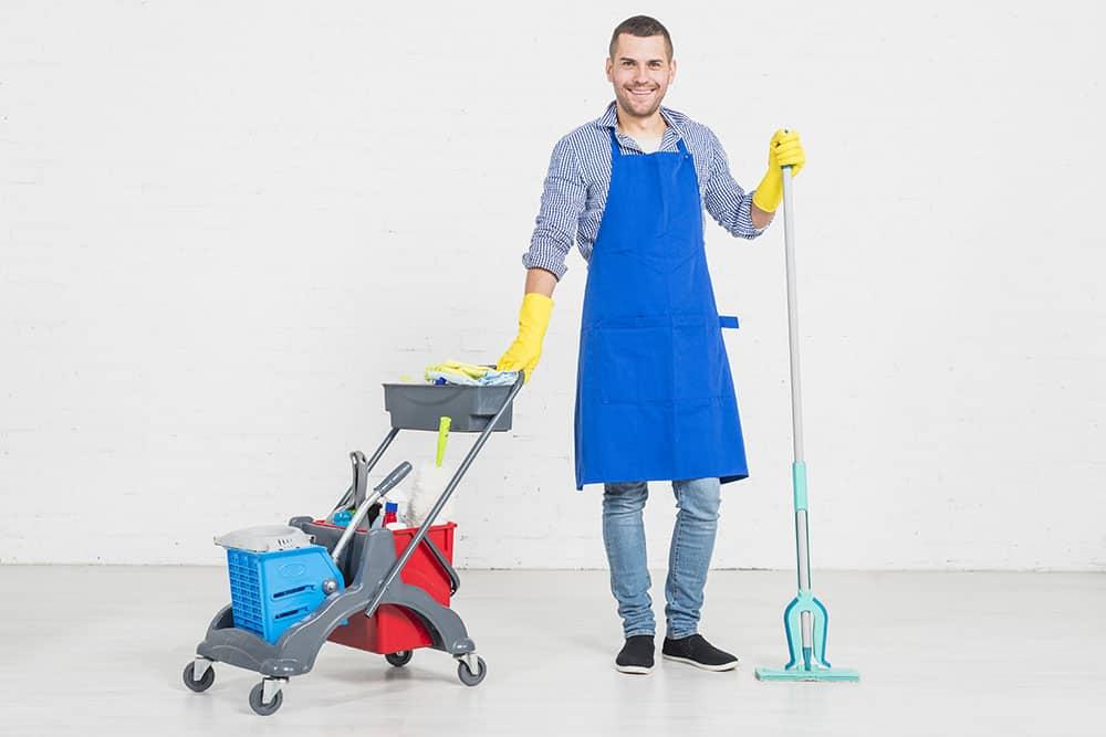 Come lavoriamo nella pulizia divani!